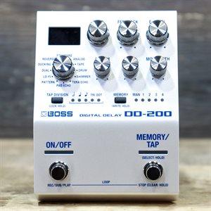 BOSS DD-200 DIGITAL DELAY 12 MODES W/LOOPER STEREO DELAY EFFECT PEDAL
