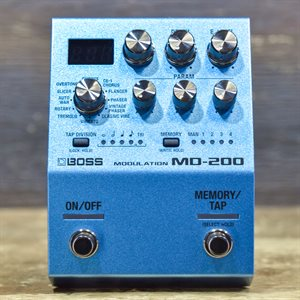 BOSS MD-200 MODULATION TWELVE VERSATILE MODES MODULATION EFFECT PEDAL W/BOX #Z4K0011